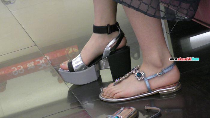 M1160032 极品美女试鞋.MP4_20170627_164727.187.jpg
