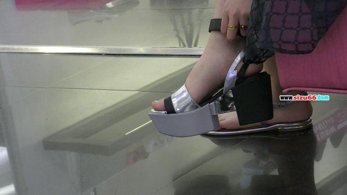 M1160032 极品美女试鞋.MP4_20170627_164813.000.jpg
