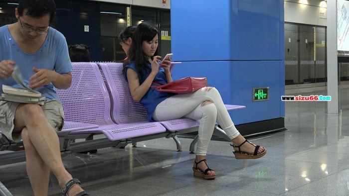 [4K视频]等地铁的时候顺手收了一个妹子等5部 第三部.MP4_20170627_191422.750.jpg