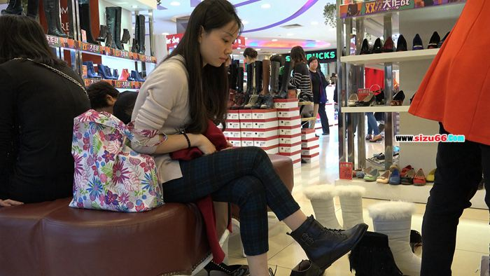 [4k视频]端庄少妇的试鞋丝,竟然是原生的长肉丝.mp4_20170628_000506.875.jpg