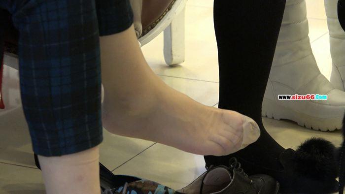 [4k视频]端庄少妇的试鞋丝,竟然是原生的长肉丝.mp4_20170628_000538.625.jpg