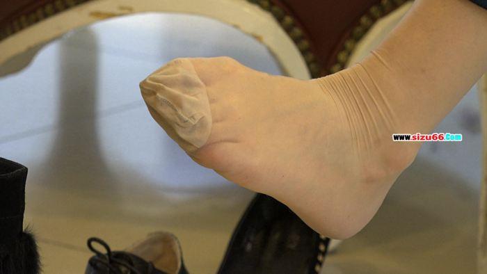 [4k视频]端庄少妇的试鞋丝,竟然是原生的长肉丝.mp4_20170628_000613.859.jpg