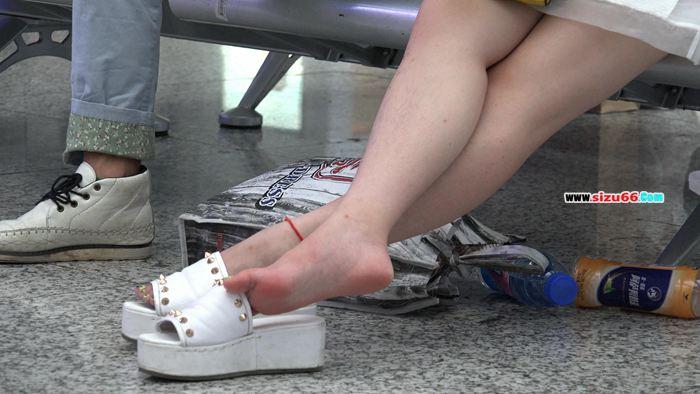 [4K视频]短裙MM看中了罗马款细带凉鞋等5部合集(2.MP4_20170628_000711.734.jpg