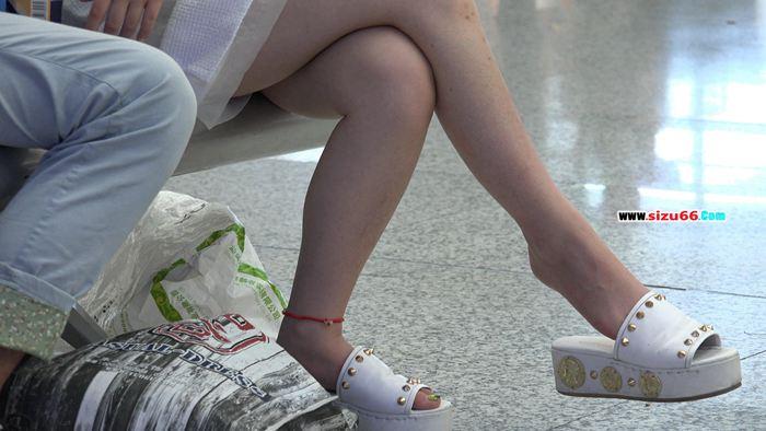 [4K视频]短裙MM看中了罗马款细带凉鞋等5部合集(2.MP4_20170628_000813.734.jpg
