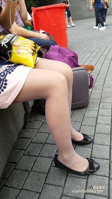 连衣裙肉丝.mp4_20180114_222824.364.jpg
