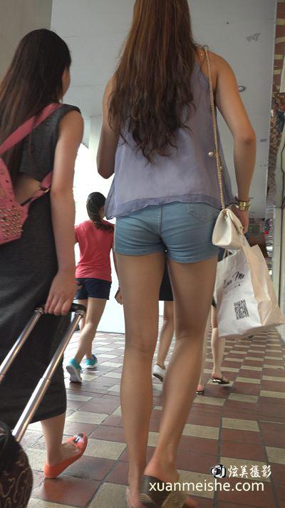 4k-苗条长腿牛仔热裤漂亮街拍美女.jpg