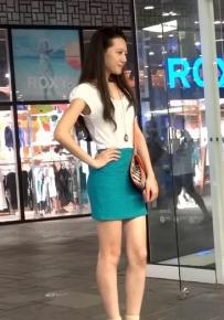 450蓝色紧身短裙极品气质美女