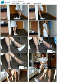 护士小姐你的袜子好性感让我拍下好吗