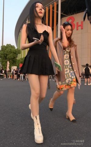 4K - 街拍-鼻梁高挑的气质女孩