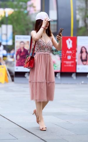 时尚粉裙美胸美女 - 13p