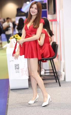 红裙肉丝小妹合集 -6P