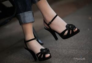 牛仔长丝配凉鞋的穿法相当少见了(14P)