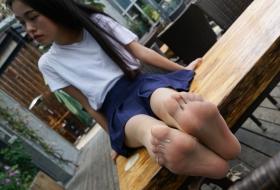 【裸足 丝足】青春洋溢的大二少女小小的微笑与裸足[74P]