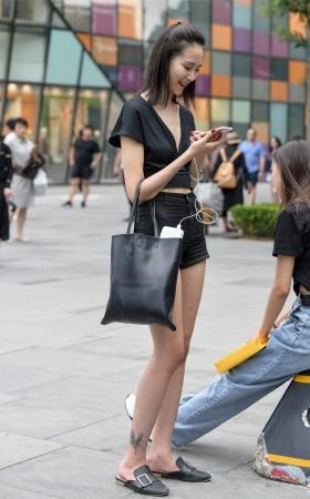 热裤长腿美女 -7P