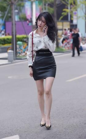 性感皮短裙的高跟小姐姐 -22P