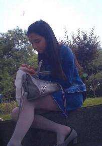 TT013\小美女的灰色丝袜坐姿