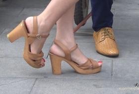 【1080P高清】女主持的玉趾嫩足