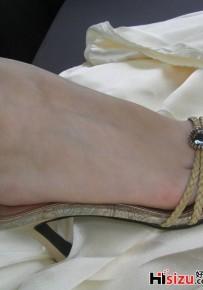 优美的足弓 含羞的嫩趾