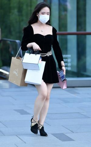 购物细高跟白腿美女 - 13p