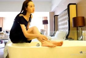 [玉足]视频 VX0007 凝儿美脚浴戏水