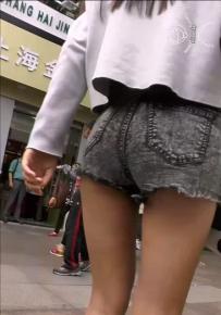 200002短裤美女路上跟拍