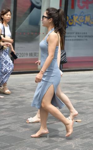 街拍开叉裙性感美女 - 21P