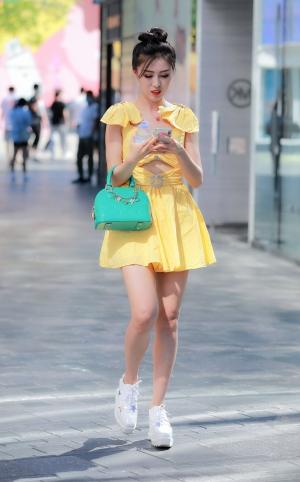 黄裙长腿美眉 - 12p