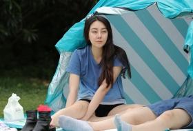 长腿妹子睡完觉,在帐蓬外和男友玩嗨了 第一套 47P