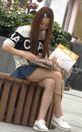 很认真学日语的学生妹.mp4