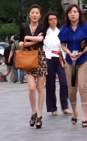 276豹纹短裙高贵气质美女