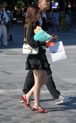 街拍黑色裙凉高跟美女 - 21P