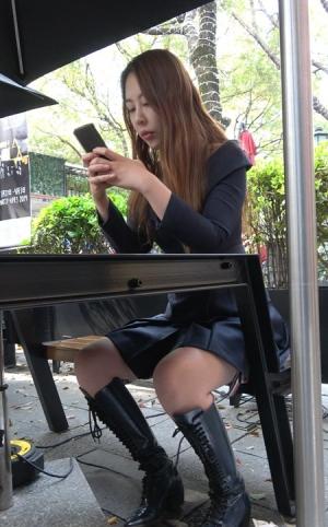 4K - 时尚长靴美女 [1.30 GBMP4]
