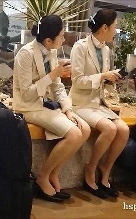 XMZ-MEIU0068.mp4_三个干净漂亮的气质丝袜空姐美女脚