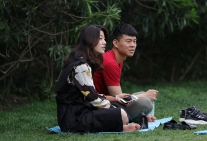优雅端庄的女生,趁着天色渐晚偷偷伸直了双脚(27P)