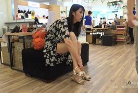 美脚少妇花长裙长腿.MP4