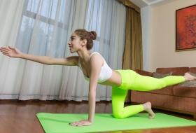练瑜伽的极品身材mm