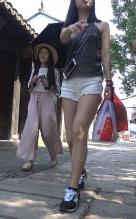 4k-极品元屯超短热裤性感街拍美女 5.22G