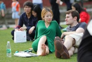 让你身临其境绿衣女郎脚边,让她的美足穿透屏幕(46P)