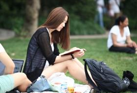漂亮女生长发披肩的模样让人心跳加速(44P)