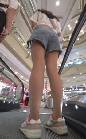 4k-高腰牛仔热裤小姐姐跟姐妹逛商场 2.83g
